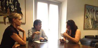 Signatura conveni Institut Joan Oró
