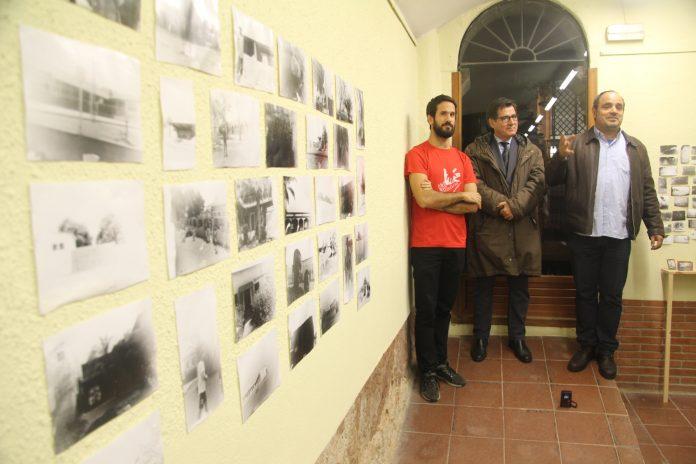 Exposició 'Malanje-Kutala' a l'Enrajolada. Ignasi Aballí, Xavier Fonollosa i Ton Toset