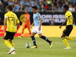 Eric García Martret, vestint la samarreta blau cel del Manchester City (Fotografia: Mancity.com)