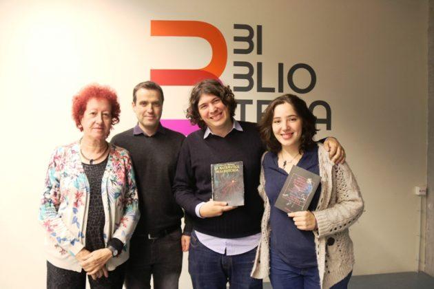 Presentació del pròleg de 'La matemàtica de la història'. Assumpta Clopas, Andreu González, Max Pérez i Alba Padrós