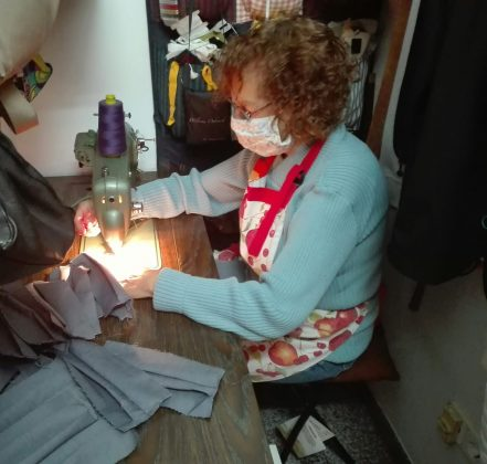 Voluntària Mascaretes ANC Martorell i Castellví de Rosanes